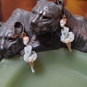 🦕3/$10 Vintage Ballerina Earrings